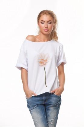 Белая футболка с рисунком розы