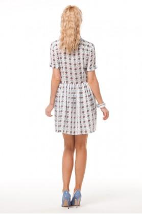 Короткое платье с ромбами