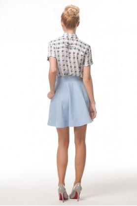 Голубая юбка с карманами