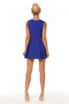 Короткое синее платье
