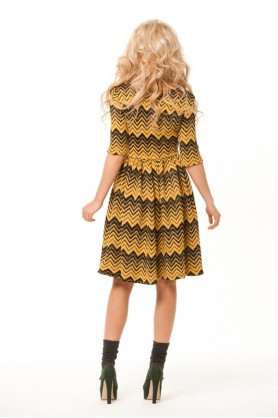 Платье вязаное желтое
