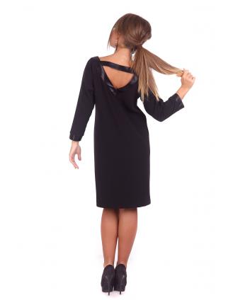 Прямое черное платье