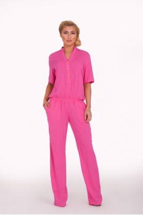 Модный розовый комбинезон