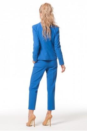 Деловой синий пиджак