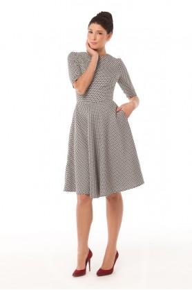Деловое платье с расклешенной юбкой